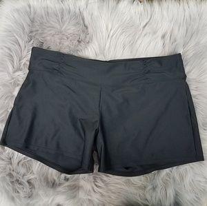 Athleta black workout shorts size large
